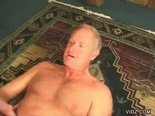kijken oud thumbnail, echt likken seks, groot grootmoeder