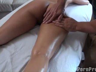 Quente a foder depois óleo massagem