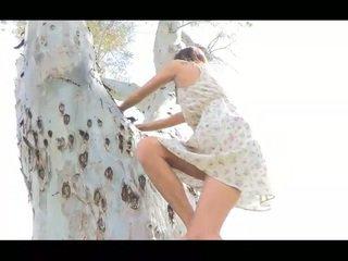 Jody pubblico nudity shes un alto bello e molto