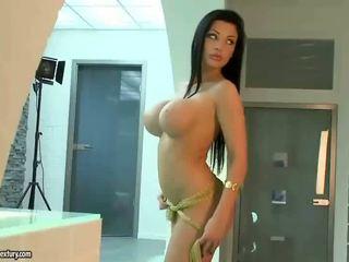 borotvált punci friss, nagy mell, pornósztárok új