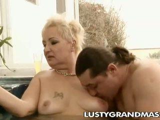 Lusty grandmas: sừng kiểu từng đoạn bà nội leila khoan trong bể sục
