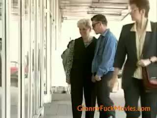 Nonnina seeking alcuni anale il piacere