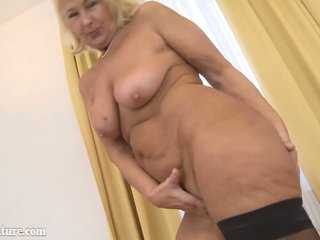 Chubby mature porn movies