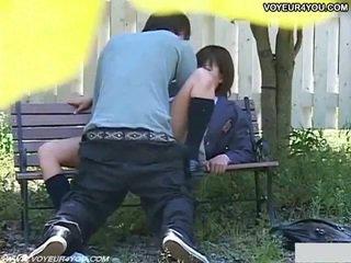 Ištvirkęs japoniškas pora seksas į park.
