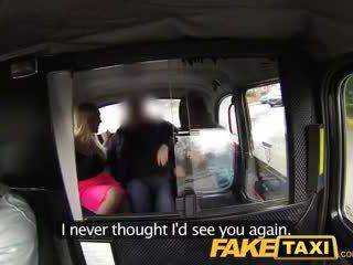 Faketaxi gorące seksowne taxi czworokąt gangbang