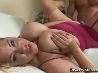Thick And Curvy Samantha 38g Fucked Deeply In Her Juicy Fur Pie