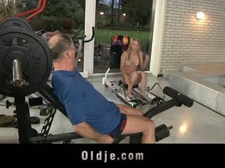 Oldje: Old dude gets lucky with a sexy blonde babe.