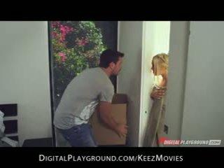 Manuel ferrara - big-tit blondine seduces haar man vers uit van de douche