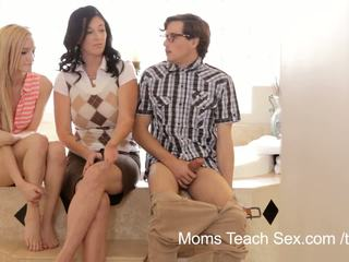 Mamme insegnare sesso