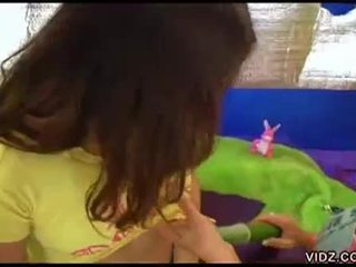 mooi brunette film, heetste jong porno, echt speelgoed