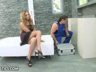 Sexy Blonde Mariah Enjoys The Oral Job And Pounding