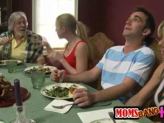 परिवार dinner परिवार सेक्स साथ kristal summers