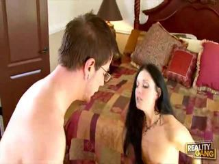 India Summer Gets Distracted!