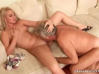 Old guy fucks gyzykly young blondinka