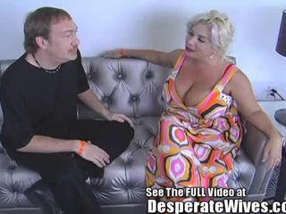 Desperate hustru claudia marie eats cum!min