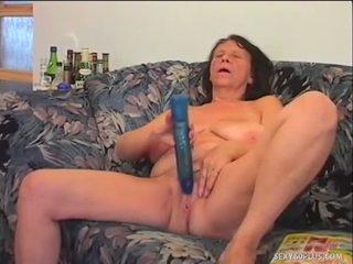 Pene addicted nonnina loves a essere used