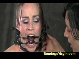 brunette klem, speelgoed porno, hq lesbisch