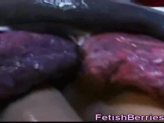 Tentacles neuken verkleedpartij meisjes!