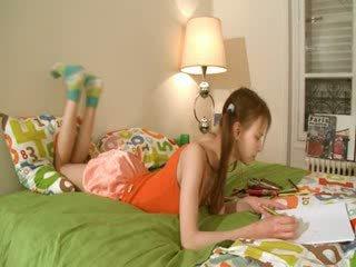 נבזי homework של חכם teenager