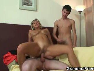 online oud neuken, heet 3some tube, zien grootmoeder neuken