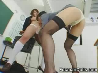 Futanari mazulīte gets sucked!