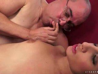 meer brunette, meest hardcore sex porno, een orale seks thumbnail