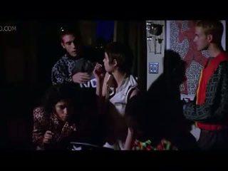 Promi angelina jolie seite brust und sex szene