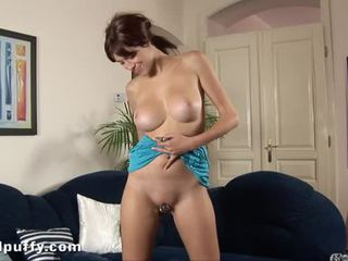 Wild pumping for lusty twat