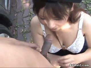 Japanese Momo Aizawa Gives An Outdoor Swallow