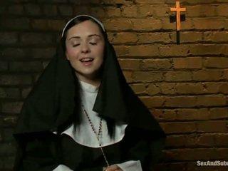 Erotika vienuolė has tied į viršų ir bumped šiurkštus iki two persons