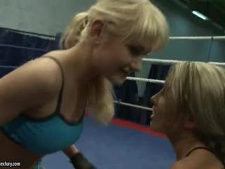 Anita Hengher And Bianca Arden Receive Wild In The Ring
