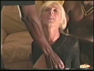 Läkkäämpi poppari vaimo loves musta cocks video-