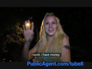 Publicagent молодий білявка з a красуня манда fucks поза