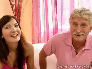 סבא ו - נוער beauty enjoying חם סקס