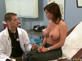 Doctor necesario tomar un mirar en su vagina