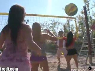 Rocco seks 7 tüdruk teismeline reverse gangbang