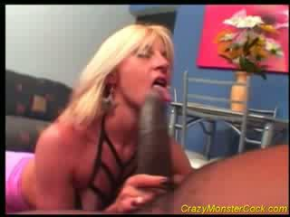 Racy blond receives stor boner