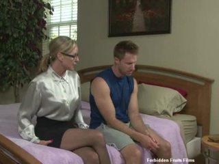 סקס עם jodi a סקסי בוגר גברת עם casual clothes taking a חם זין ל כ a gift.