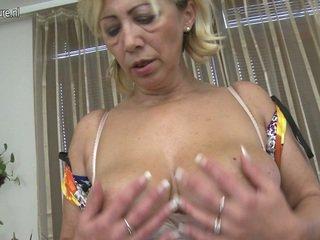 Sensuous 성숙한 꿀 loves 에 놀이 섹스 경기 포르노를 경기 가까운 로 그녀의 뿔의 fuzz