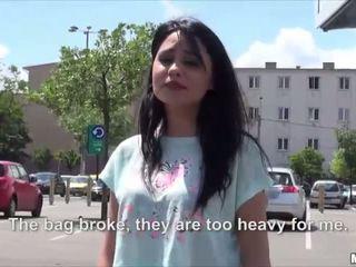 Seksualu karštas rumuniškas rides su a stranger