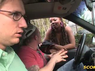 Stacy adams is een breasty workin sista3