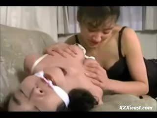Lesbian warga asia perhambaan
