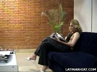 लैटिन बेब adriana दिखा बंद उसकी मिल्क cans