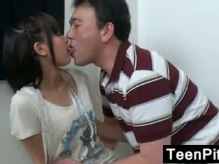 亞洲人 青少年 gets toyed 同