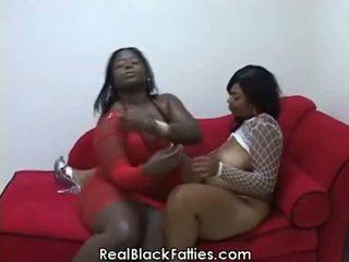 Gordinhos lésbicas tomar um fundo drilling