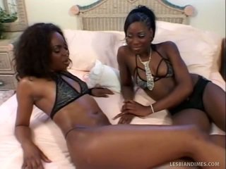 Nice Black Ladies Lick Trimmed Fuzzy Wuzzy