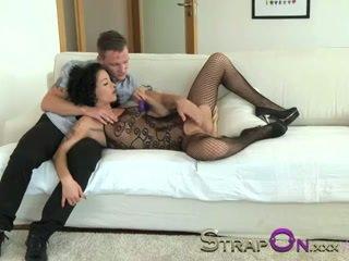Strapon δονητής κωλότρυπα double penetration για μητέρα που θα ήθελα να γαμήσω