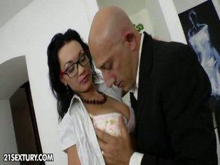 hardcore sex, zien zoenen thumbnail, controleren piercings mov
