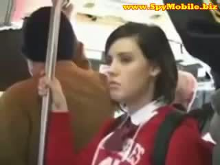Schattig tiener schoolmeisje betast misbruikt