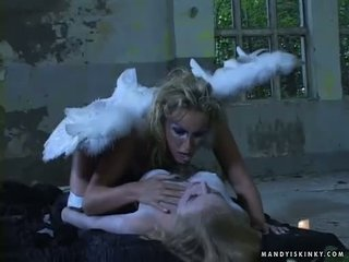 Mandy lyse toying dora venter død fitte